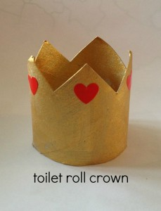 toilet roll crown