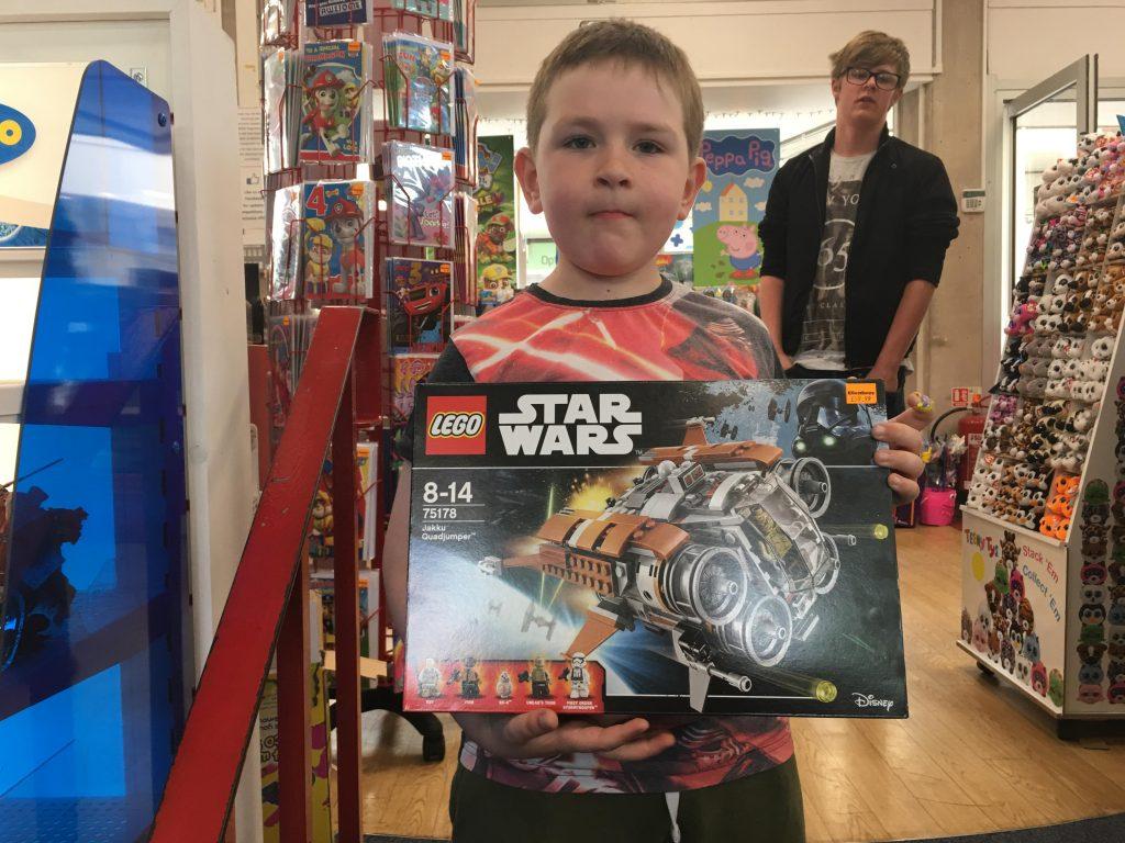 Lego Star Wars Jakku Quadjumper review (75178)